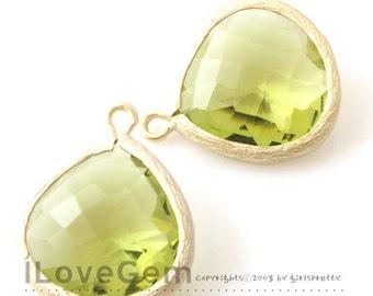 SALE/ 10pcs / P2565 L-size, Matt Gold plated, Peridot Green, Glass fancy drop 15.5mm