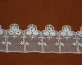 """1 yard-by-the-yard - 1"""" wide - FRENCH NEEDLeRUN LACe - Victorian Net Lace - WHITE - S109w"""