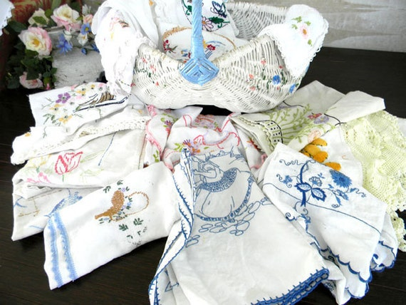Assorted Bulk Lot Vintage Embroidered Linens Suitable for Cutting Crafts or Repurposing 7325