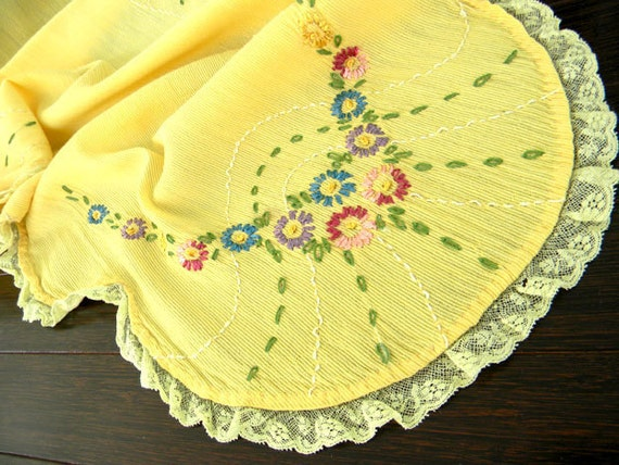 Vintage Yellow Nylon Embroidered Table Runner 7302