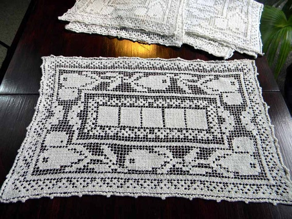 One Vintage Filet Lace Large Doily or Placemat 3877