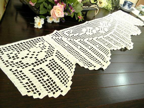 Vintage Filet Crochet Runner or Sofa Doily 7421