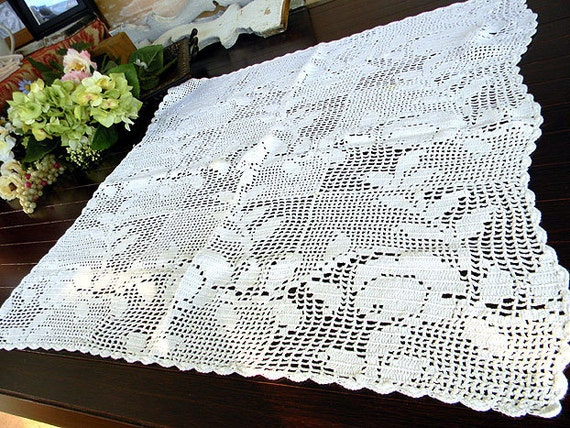 Filet Crochet Tablecloth - Vintage White Crocheted Table Cloth or Topper 7470