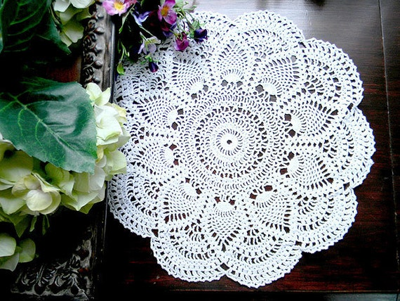 Vintage Crochet Doily Lacy and Lightweight - Pineapple Patterned 7532