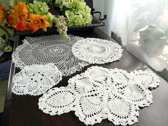 4 Beautiful Vintage Assorted Crocheted Doilies in Shades of White 7607