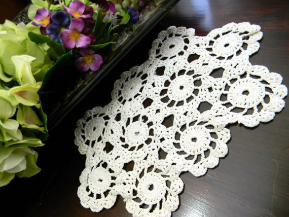 Small Vintage Doily - WagWheel Crochet in Off White 7801