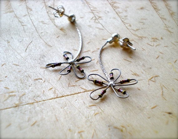 Heavenly Silver Chain Post Flower Pretty Resistor - Bridesmaid Earrings