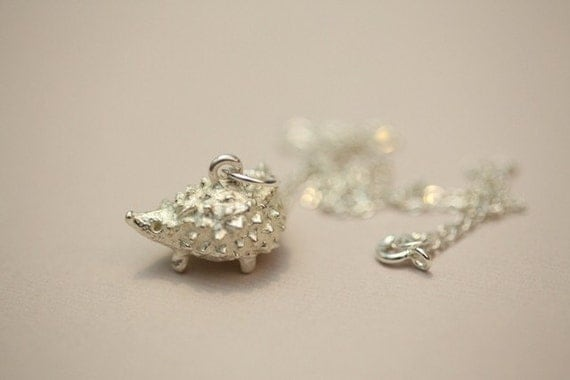 Hedgehog pendant necklace - Silver