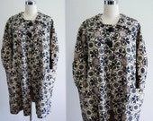 Vintage 60s Coat // 1960s Coat Mod FLOWER POWER Black & Off White Graphic Mad Men Era Big Button Smock Coat