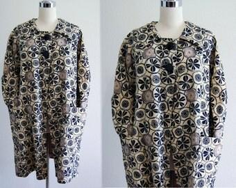 Vintage 60s Coat // 1960s Coat Mod FLOWER POWER Black & Off White Graphic Mad Men Era Big Button Smock Coat