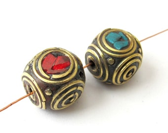2 pieces - Beautiful cuboid Concentric circles design nepal Brass Beads - BD068