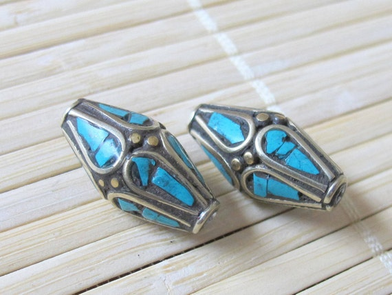 Bicone nepalese beads with turquoise inlay - 2 beads - BD136
