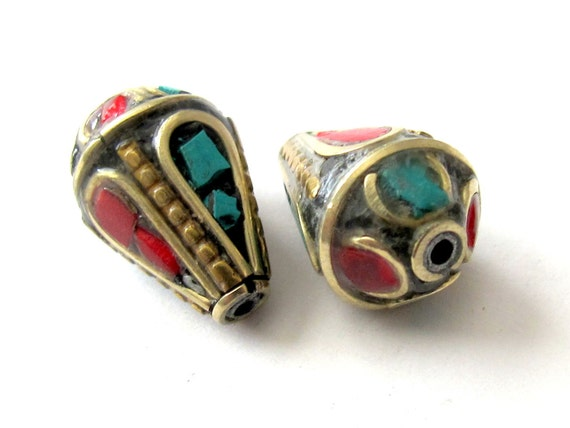 Teardrop shape nepalese brass beads - 2 - BD011