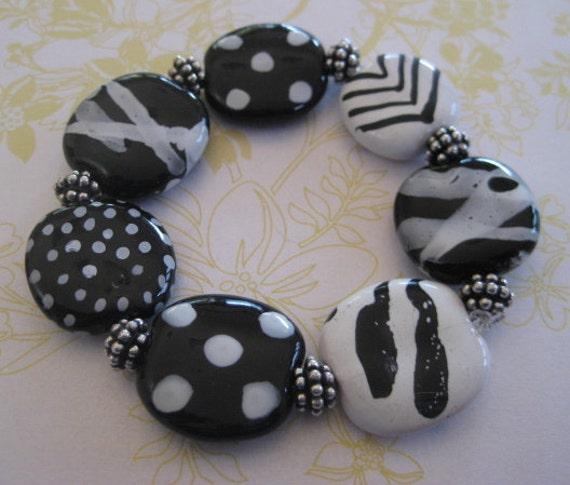 Kazuri Bead Bangle in Black and White