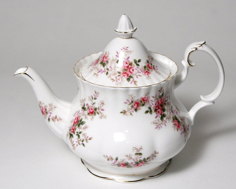 Royal Albert Teapot Lavender Rose 6 Cup