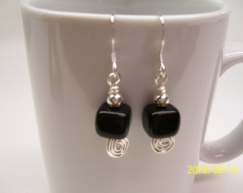 Black square earrings