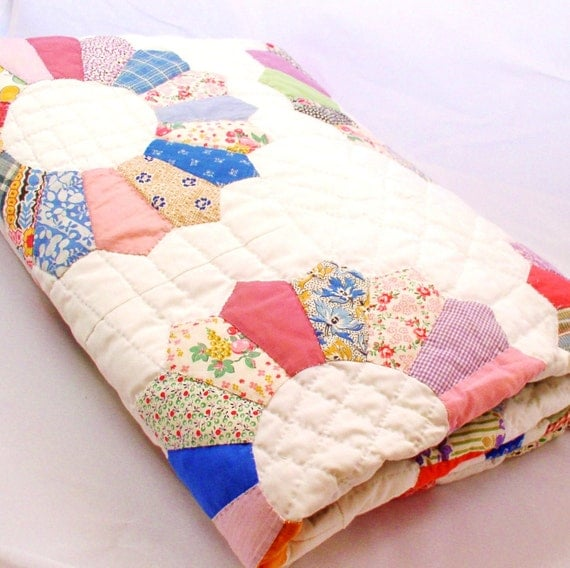 ON HOLD for Strawberrynugget......OOAK   Vintage hand appliqued, hand quilted Dresden plate design  twin/full sized quilt