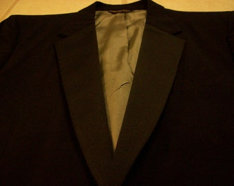 Vintage  EVAN-PICONE Tuxedo Suit Excellent Condition- size 39 Regular
