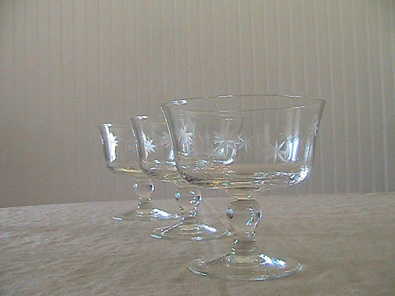 Vintage Glass Stemware with Etched Stars - set of 3 / 1950s / 1960s / Starburst / A Touch of Class / Wedding Toasts / Mid Century / Serving