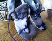 Men's Camoflage Fleece Slipper With Non-Slip Sole