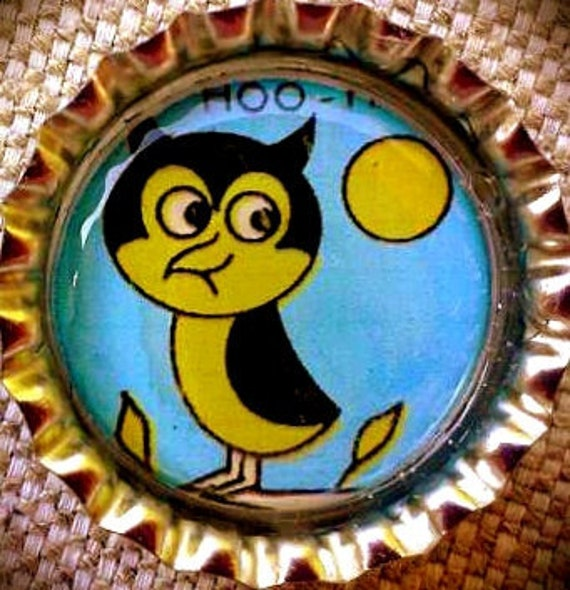 CLEARANCE-Yellow and Blue Vintage cartoon Owl bottle cap magnet