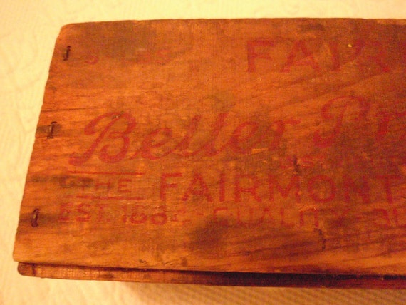 vintage wood Fairmont's cheese box