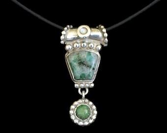 Emerald Dangle pendant