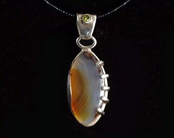Agate Shell pendant