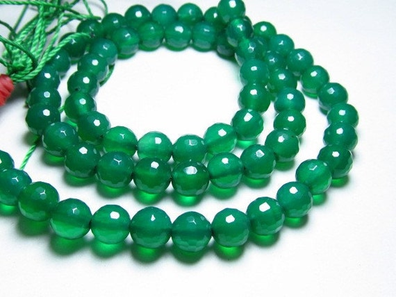 15 inches - so gorgeoussuper super sparkle celabrated size GREEN  ONYX -  faceted - disco round ball beads diamond saprkle - size 6 mm