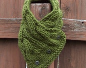 Pesto Green Chunky Cabled Cowl