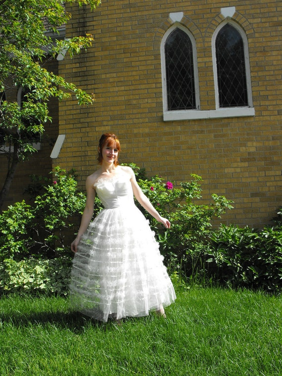 50s Wedding Gown Strapless Formal Bridal Vintage White Tulle 1950s XS XXS