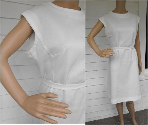Vintage White Dress 60s Sleeveless Sheath Simple XL Plus