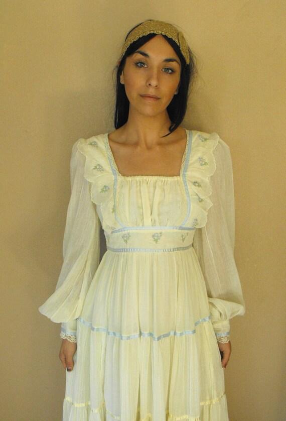 Vintage Gunne Sax Dress Ivory Ruffle Hippie Prairie Full Boho XS