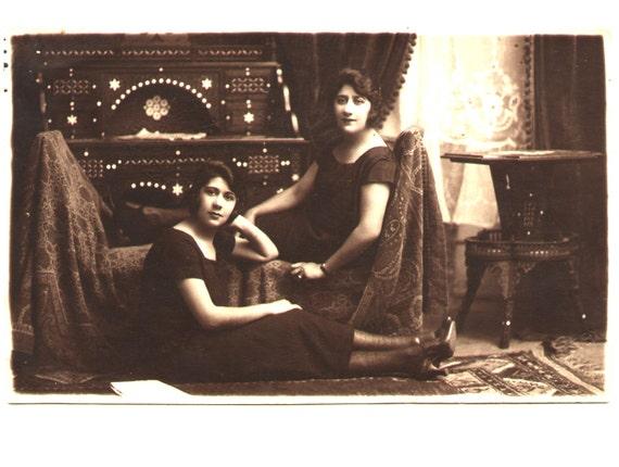 Two good friends   - Vintage Portraits-Cabinet Photo.