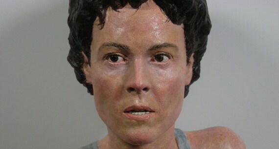 Sigourney Weaver as Lt. Ellen Ripley in Aliens 1:2 Scale