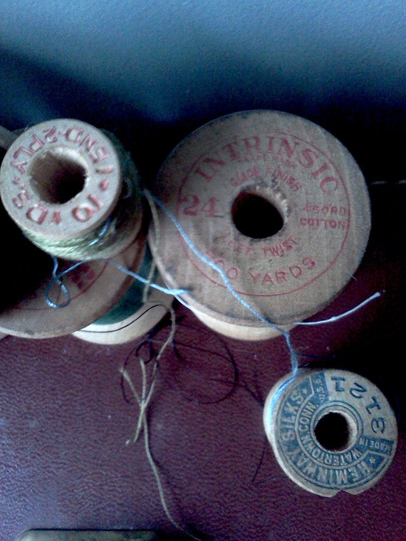 15 spools of vintage thread