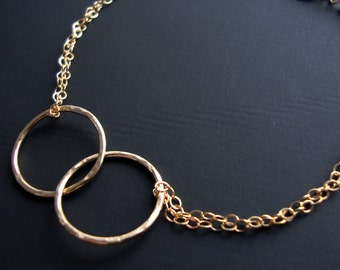 Eternal, Best Friends Bracelet - all GOLD FILLED- Interlocking circles  Hammered Interlocking links, Endless, Always Together, Lovely Gift,