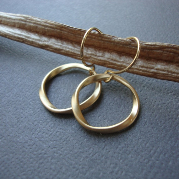 Gold Eternal earrings, bridal bridesmaids gifts, best friend, twisted circles, everyday jewelry, modern simple style