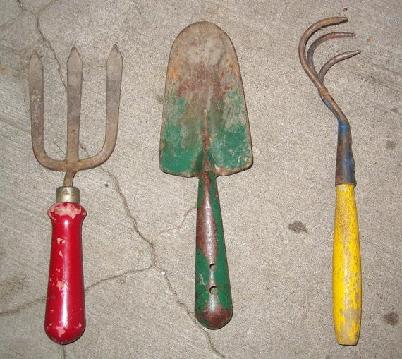 Vintage gardening tools by vintagemementos on etsy for Gardening tools vintage