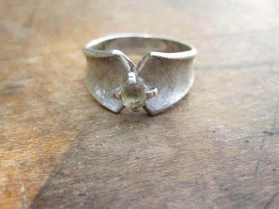 Vintage Sterling Silver Ring - Sz 6.5
