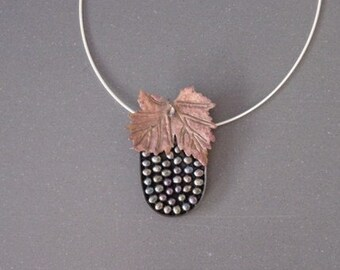 Stylized Pearl Grape Cluster Necklace