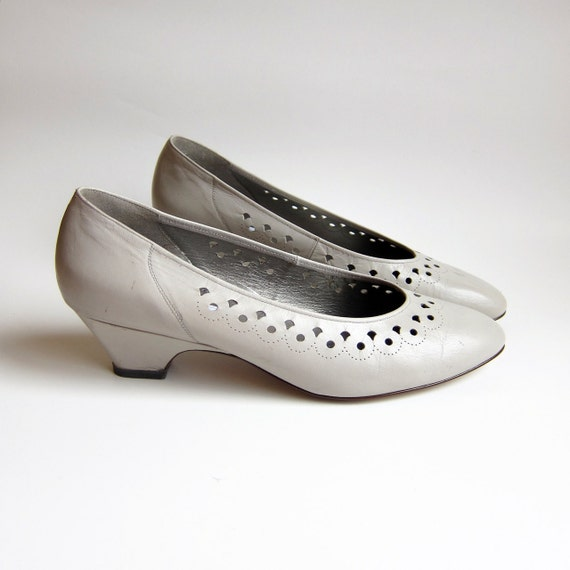 Vintage 1970s Shoes / DOVE GREY Perforated Leather Low Heel Unworn New Deadstock Size 10 or 10 1/2