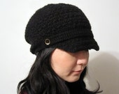 Newsboy Cap with Buttons in Black - Alpaca 100 percent