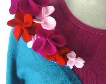 SALE -Felt Flower Brooch in Fucshia, Pink and Red shades (Ready To Ship)