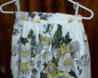 vintage apron ... FLORAL CHARMING scalloped edge vintage APRON ...