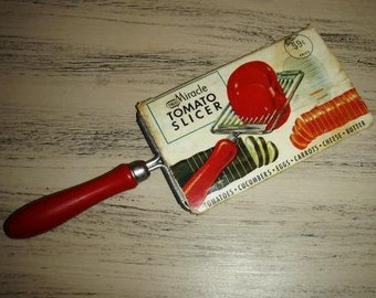 Vintage household kitsch ... ECKO Miracle TOMATO SLICER with original label...