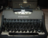 Underwood Leader Typewriter With Case