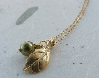40 percent off   Aspen.  LAST ONE  Gold Leaf and Pearl Necklace