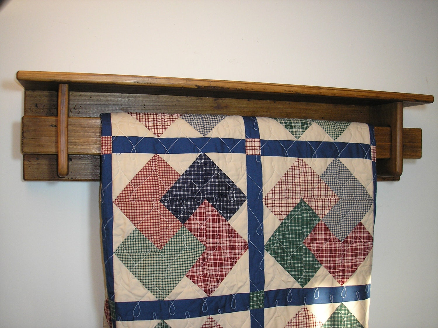 Reclaimed Wood 4 Foot Quilt Rack With Shelf Tc95 4
