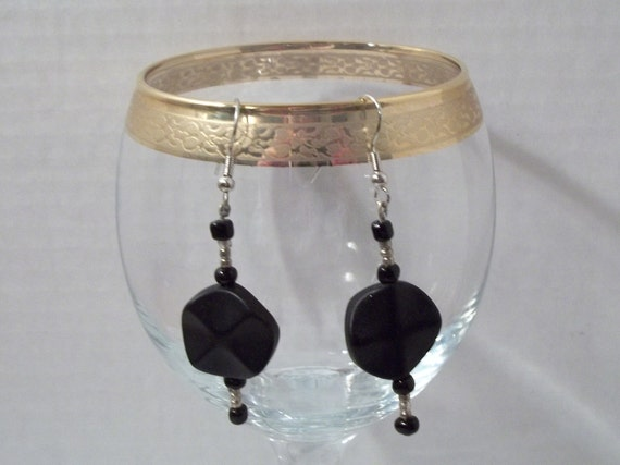 Handmade -Stunning Black and Silver Earrings-003